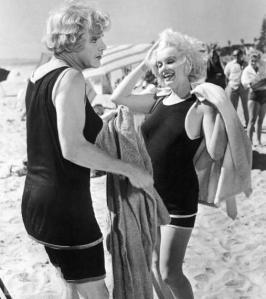 Marilyn Monroe durante la lavorazione di A Qualcuno Piace Caldo