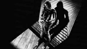 30707595_cinema-arriva-sin-city-frank-miller-ava-sexy-terribile-ultima-femme-fatale-0