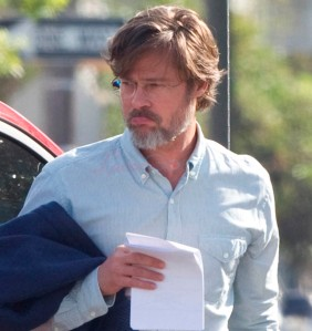 "Brad Pitt is casual on the set of ""The Big Short"" in New Orleans"